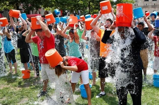 Флешмоб Ice Bucket Challenge
