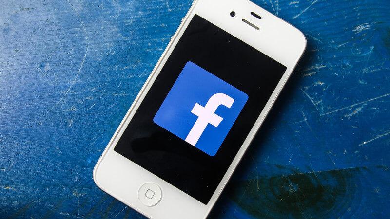 Число пользователей социальная сеть Facebook Messenger достигло 1,3 млрд человек