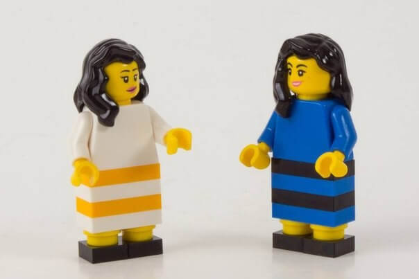 Реклама от Lego на тему споров, какого цвета платье – синее с черным или белое с золотым