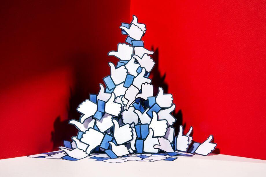 Фейсбук запретит собирать данные пользователей для рекламы