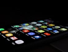 ФАС предлагает в обязательном порядке устанавливать российские приложения на смартфоны