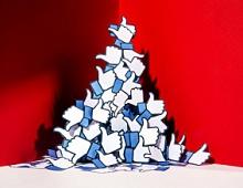 Один из основателей Facebook хочет раcколоть компанию на три отдельных