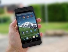 Производители Android-смартфонов обманывают юзеров, пропуская обновления?