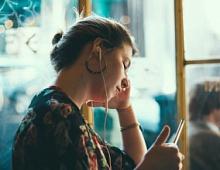 Более половины слушателей подкастов хотят купить рекламируемые в них товары