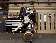 Boston Dynamics показал, как робот Атлас занимается паркуром