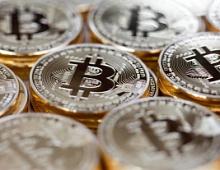 Стоимость биткоина превысила $9500
