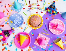 Facebook позволит поздравлять с днем рождения в специальных «историях»