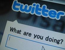 Twitter позволит сохранять твиты в закладки